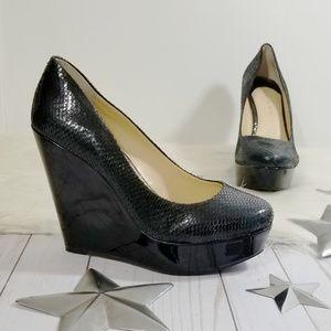 Gianni Bini wedges black patent snakeskin heels 7.